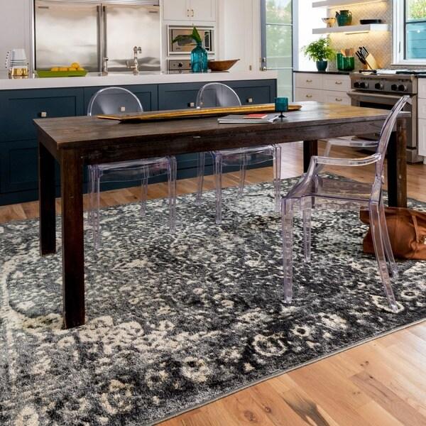 Kingsley Grey Oriental Rug (7'7 x 10'5)
