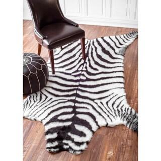nuLOOM Cozy Soft and Plush Zebra Black & White Shag Rug (5' x 7'6)