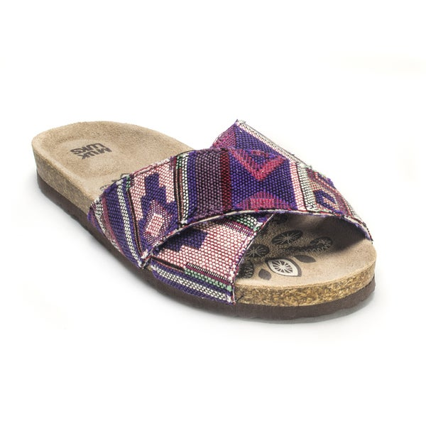 Muk Luks Women's 'Dolly' Cross-over Sandals