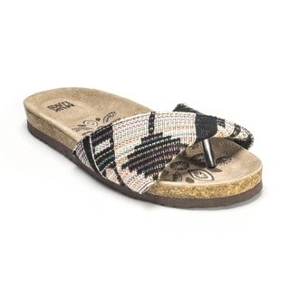 Muk Luks Women's 'Lucy' Black Folded Strap Sandals