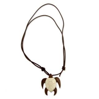 Men's Leather Sono Wood 'Bali Brown Turtle' Bone Necklace (Indonesia)