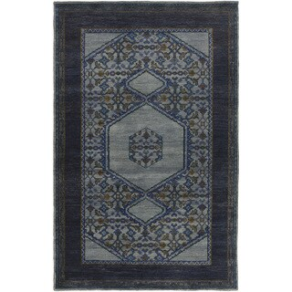 Hand-Knotted Marvin Border Wool Rug (5'6 x 8'6)