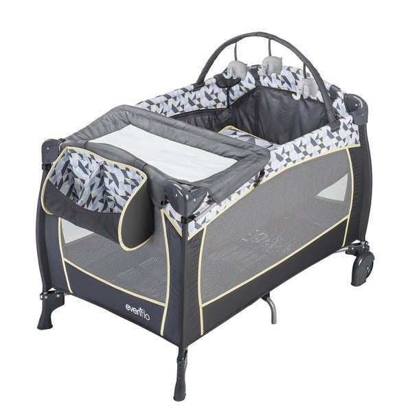 Evenflo Raleigh Portable BabySuite Deluxe