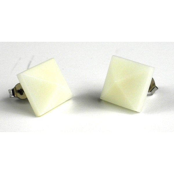 Faire Collection Spike Tagua Nut Stud Earrings in Ivory (Ecuador)