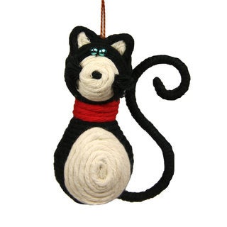 Black and White Kitty Cat Yarn Ornament (Colombia)