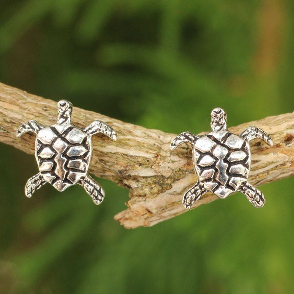 Handcrafted Sterling Silver 'Baby Sea Turtle' Earrings (Thailand)