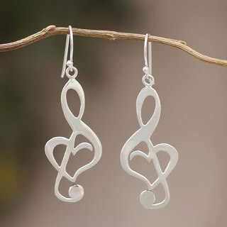 Handcrafted Sterling Silver 'Song of Love' Earrings (Peru)