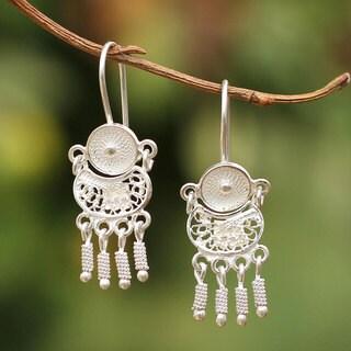Handcrafted Sterling Silver 'Little Beauty' Filigree Earrings (Peru)
