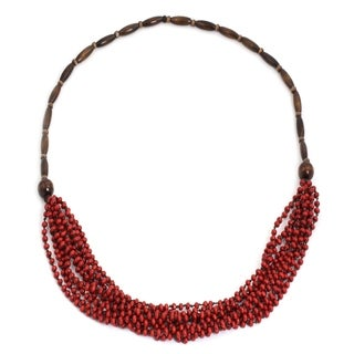 Handcrafted Littleleaf Boxwood 'Red Muse' Necklace (Thailand)