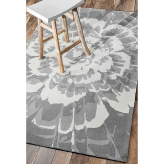 nuLOOM Handmade Modern Indoor/ Outdoor Floral Grey Rug (7'6 x 9'6)