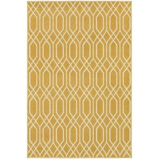 Gold/ Ivory Simple Lattice Area Rug (6'7 x 9'6)