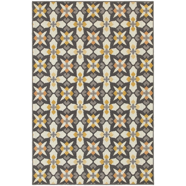 All-over Grey/ Gold Cross Panel Area Rug (5'3 x 7'6)
