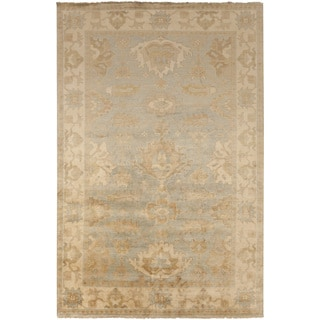 Hand-Knotted Jude Border New Zealand Wool Rug (9' x 13')