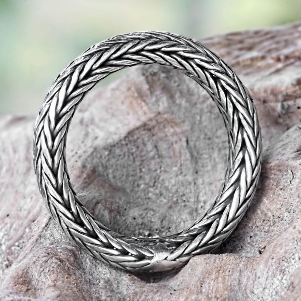 Handcrafted Sterling Silver 'Dragon Lady' Ring (Indonesia)
