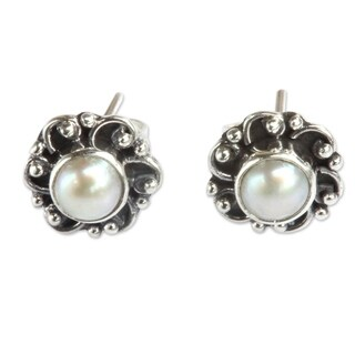 Sterling Silver 'Moonlit Blossoms' Pearl Earrings (3.5 mm) (Indonesia)