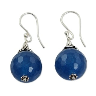 Handcrafted Sterling Silver 'Ocean Magic' Chalcedony Earrings (India)
