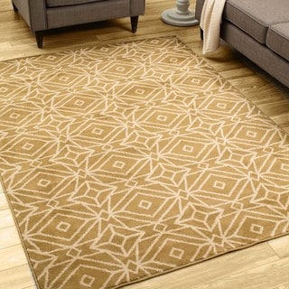 Diamond Geometric Gold/ Ivory Rug (5'3 X 7'3)