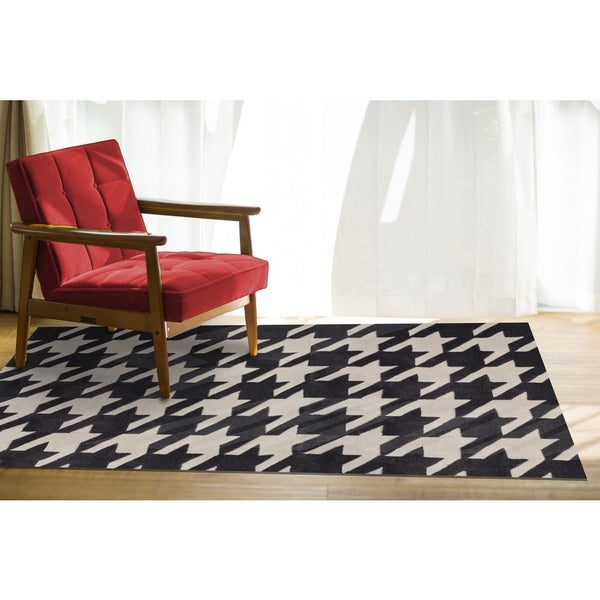 Black Hound Area Rug (5' x 8')