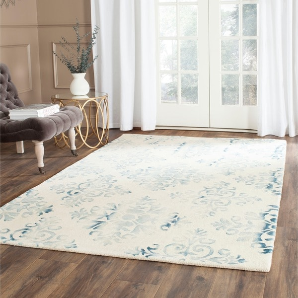 Safavieh Hand-Tufted Dip Dye Ivory/ Light Blue Wool Rug (4' x 6')