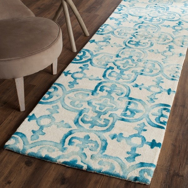 Safavieh Hand-Tufted Dip Dye Ivory/ Turquoise Wool Rug (2'3 x 10')