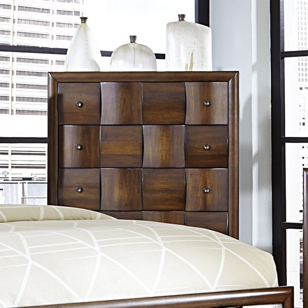 Darian Classic Medium Walnut 5-drawer Chest of Drawers