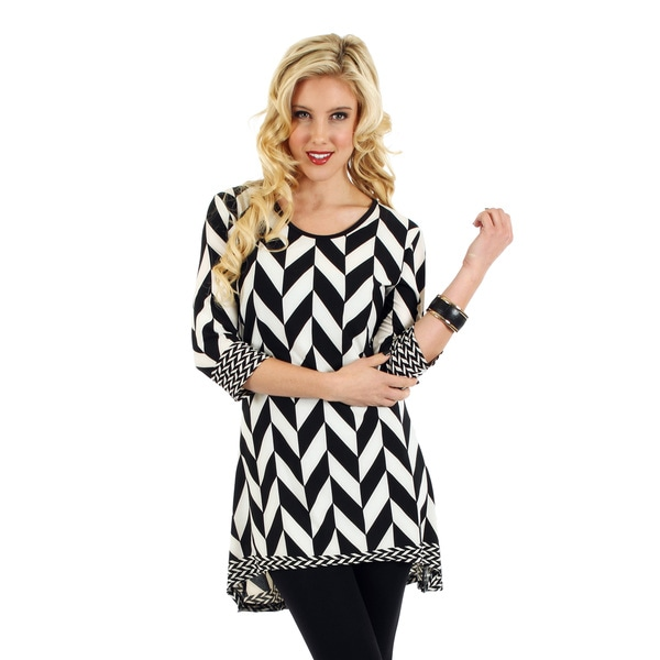 Firmiana Women's Black and White Geometric Print Blouse