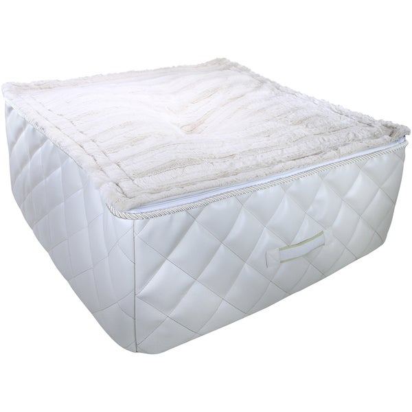 """Kathy Ireland Pet """"Loved es"""" Quilted Cuddle Cube"""