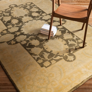 Hand-Knotted Breamish Floral New Zealand Wool Rug (5'6 x 8'6)