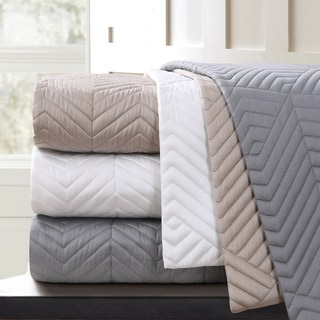 Echelon Home Monterey Quilted Cotton Blanket