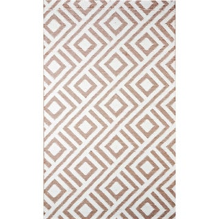 b.b.begonia Malibu Contemporary Outdoor RV/ Camping/Patio Beige/ White Reversible Area Rug (9' x 12')