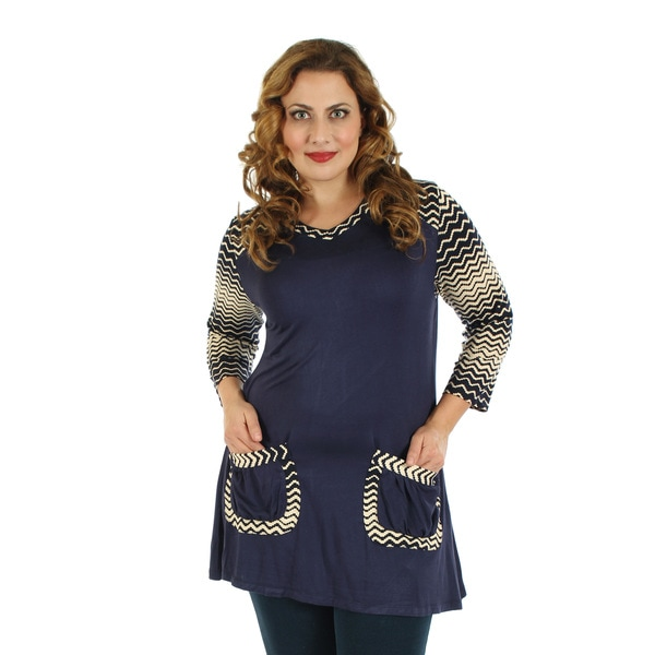 Firmiana Women's Plus Size Blue/ White 3/4-sleeve Two Front Pockets Top
