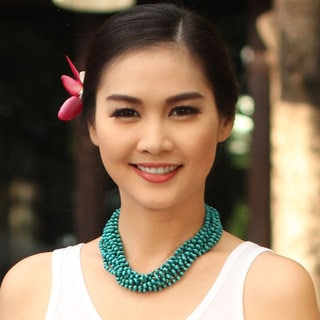 Handcrafted Littleleaf Boxwood 'Mekong Belle' Necklace (Thailand)
