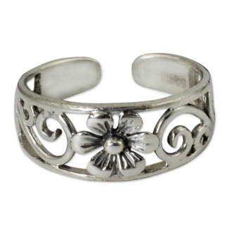 Handcrafted Sterling Silver 'Blossoming Paths' Toe Ring (Thailand)