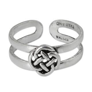 Handcrafted Sterling Silver 'Mandarin Walk' Toe Ring (Thailand)