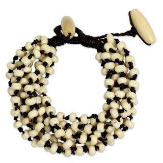 Handcrafted Littleleaf Boxwood 'Natural Belle' Bracelet (Thailand)