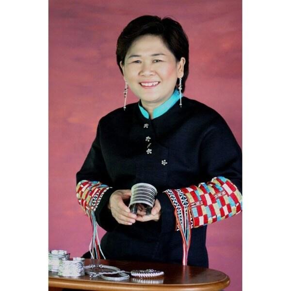 Handmade Littleleaf Boxwood 'Nan Belle' Bracelet (Thailand) 15065372