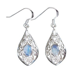 Sterling Silver Oval Moonstone Classic Filigree Design Earrings (Thailand)