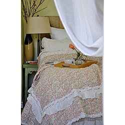 Addie Floral Ivory Quilt Set