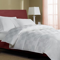 Castlepeak 310 Thread Count Oversized Down Blend Comforter
