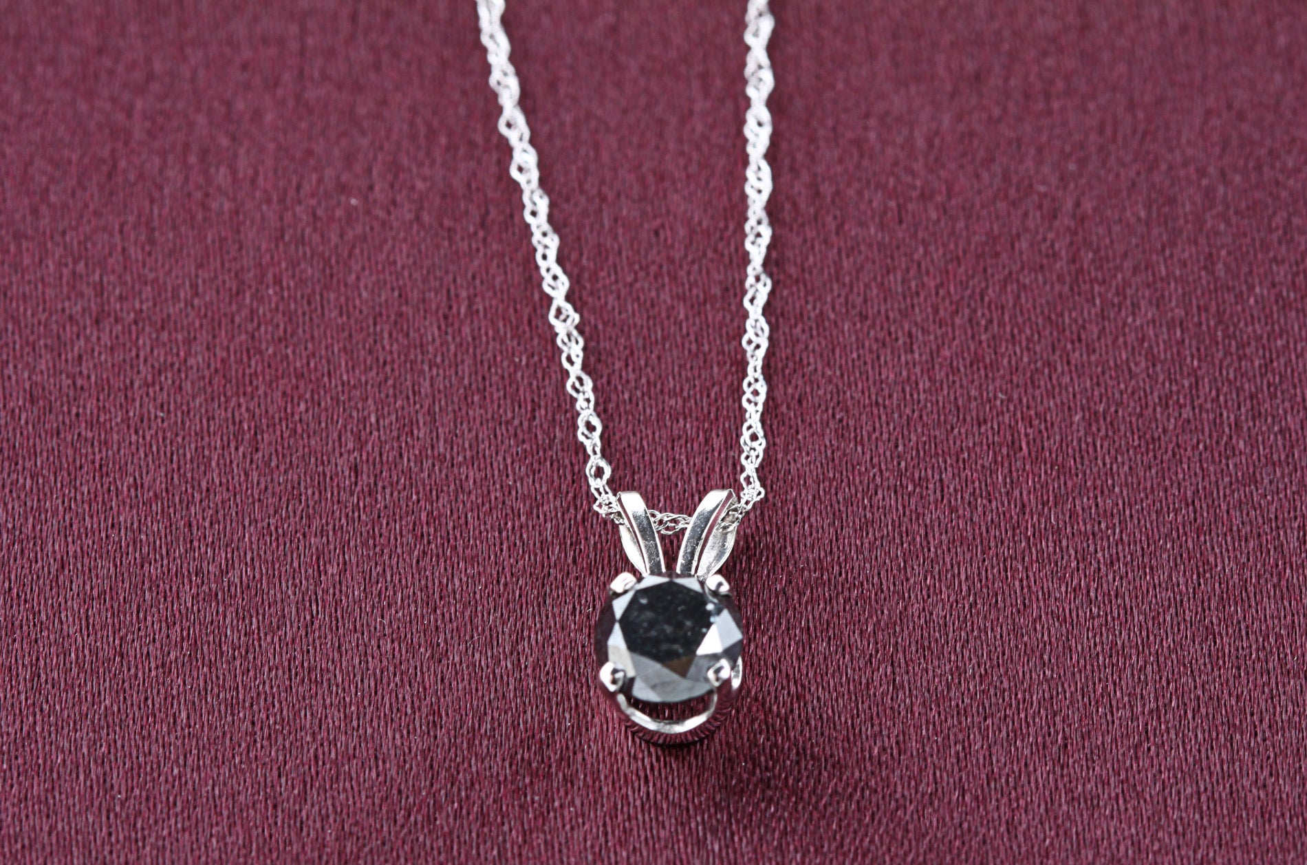 14k White Gold 1ct TDW Black Diamond Solitaire Necklace