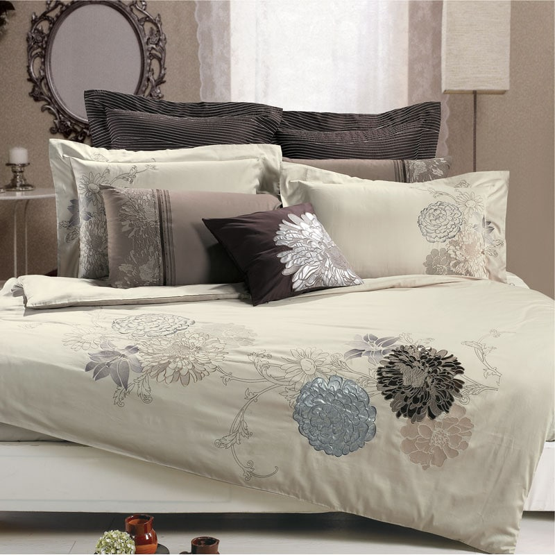 Fieldstone Embroidered 3-Piece Duvet Cover Set