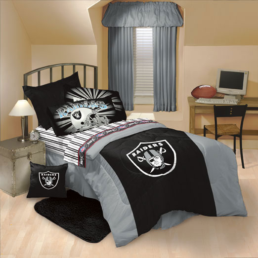 Oakland Raiders Comforter and Sheet Set