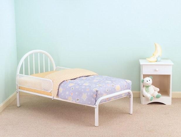 white iron toddler bed 3