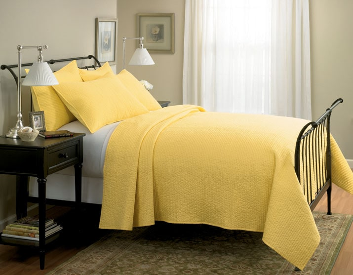 Solid Sateen Yellow Quilt Set