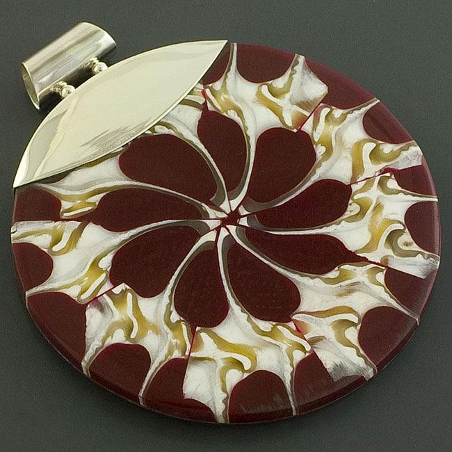Sterling Silver Brown and White Fossil Shell Swirl Pendant (Indonesia)