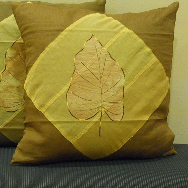 Cotton Sateen 'Harita' 18-inch Square Pillow Cover (India)