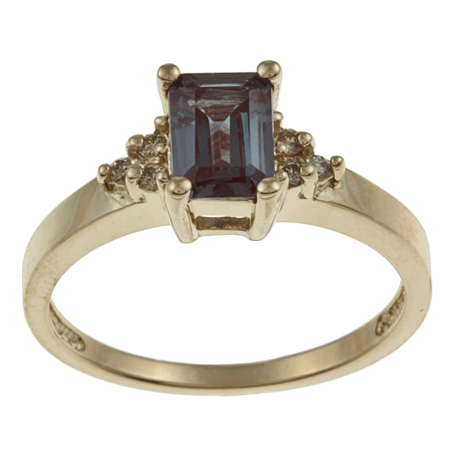 14k Yellow Gold 1/10ct TDW Diamond and Created Alexandrite Ring (J-K, I1-I2)