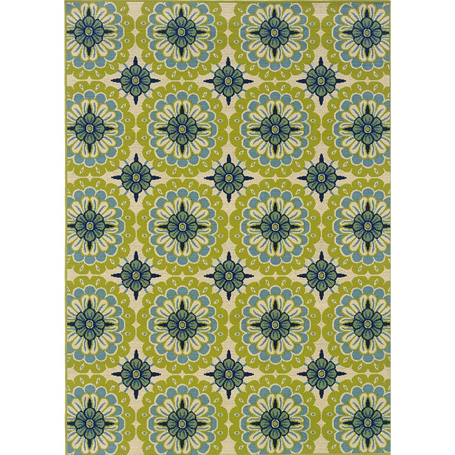 Green Ivory Outdoor Area Rug 3 7 x 5 6 Overstock