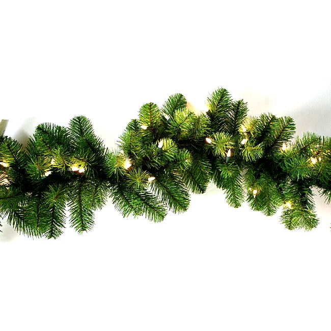 Good Tidings Nottingham 200-tip PVC 9-foot Pine Garland