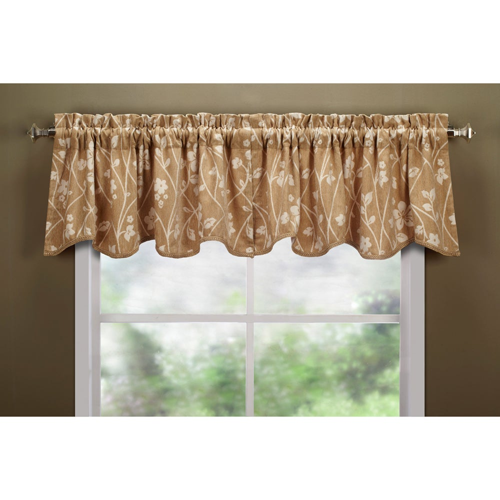 Coutoure Blonde Scallop Valance